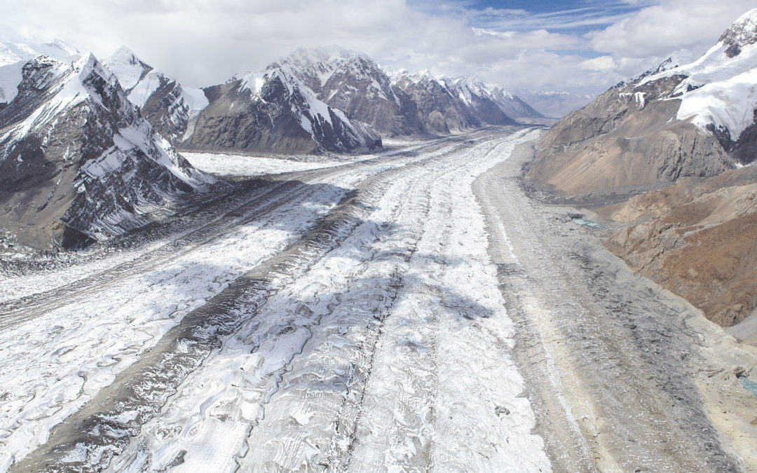 Water management in view of melting glaciers